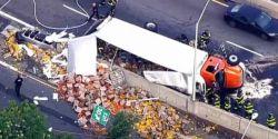 Caminhão acidentado cobre via rápida em Nova York com pimentões